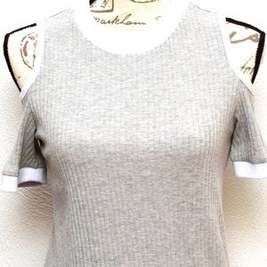 Rue21 Sweaters - Rue21 Sweater Juniors Womens XL Gray Cold Shoulder